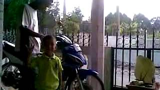 suzuki arashi 125  vs ludhfan// video by Rizky FA