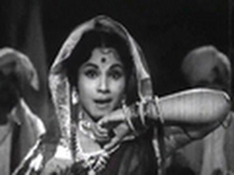 Marathi Superhit Lavani Songs - Raat Aali Rangat - Jayshree Gadkar - Bai Mee Bholi video