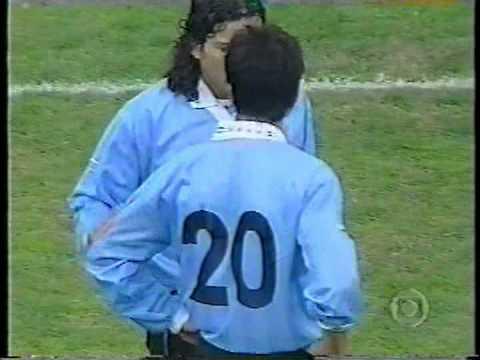 Uruguai 1x0 Brasil - 2001 - Eliminatórias Copa 2002