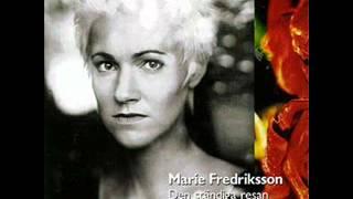 Watch Marie Fredriksson Sa Lange Det Lyser Mittemot video
