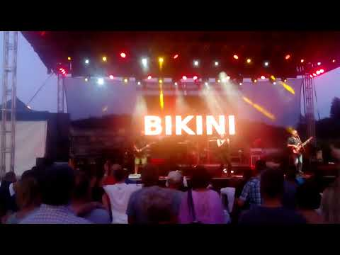 A Bikini a Show-domb fesztiválon (részlet)