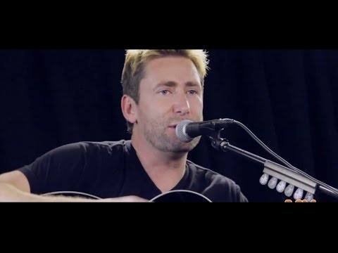 Nickelback - Rockstar (live Acoustic) video