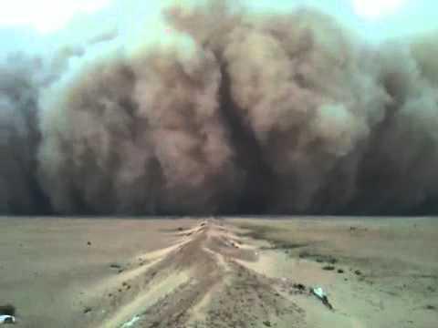 اقوى عاصفة غبار بالكويت لا يطوفكم اخر شي ... dust storm in Kuwait