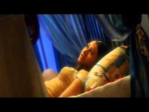 Akshay And Karishma Kapoor In Honeymoon Song Ek Rishta) video
