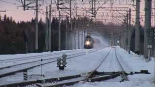 "[RZD] ChS200-005 with a train nr. 168 ""Nevskiy Express"". 200 km/h, 124 mph."