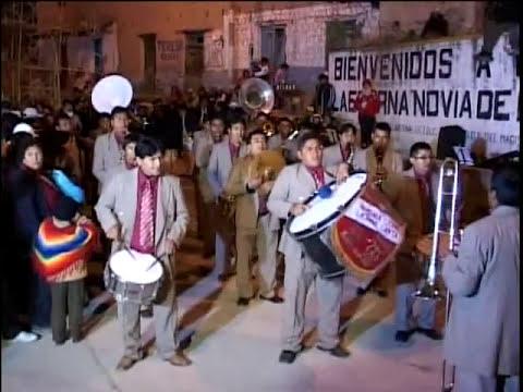 Banda Armonia 2000 en Carhua.avi