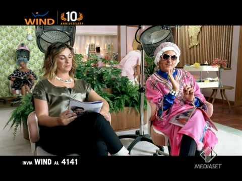 Spot concorso Wind : Gli sfondi – con Vanessa Incontrada e Panariello (2à versione)