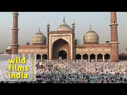 Muslims Congregate For Eid Namaz At Jama Masjid Of Delhi video