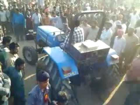 Tractor Tochan Toffan Vs Newholland 5500   Khanpur video