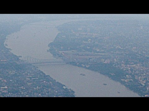 Air India Airbus A320 Kolkata to New Delhi Takeoff and Landing with Skylines