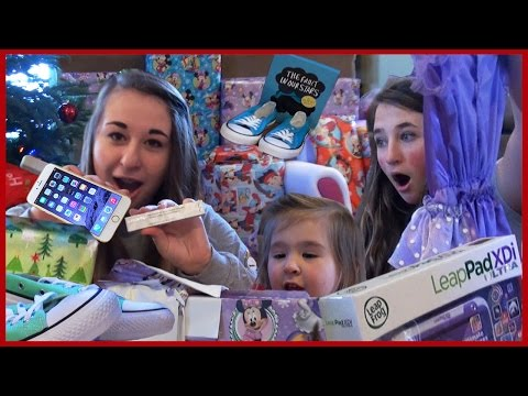 Kids Opening Christmas Presents - Monster High Girls - Baby Fun Day 2014