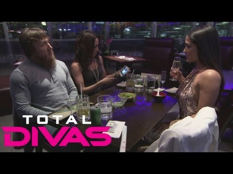 Daniel Bryan and The Bella Twins discuss family during dinner: Total Divas bonus clip, July 28, 2013