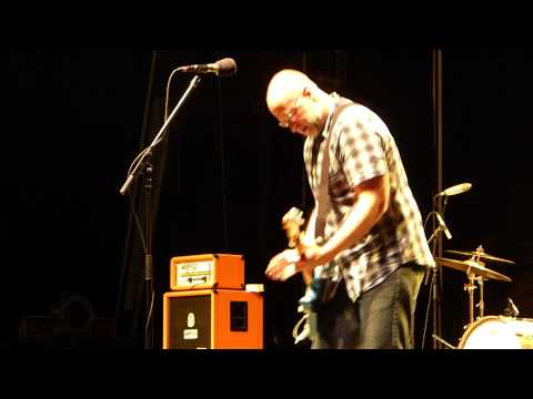 Bob Mould Band - Round the City Square (live)