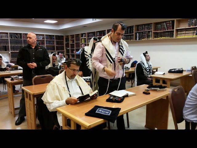 US Ambassador Prays at Jerusalem Synagogue Targeted in Deadly Terror Attack