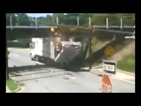 #15 【トラック事故!】  トラックがガードや標識の高さ制限トラップに引っかかる事故映像