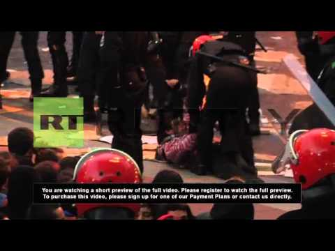 Spain: Basque protesters fail to halt police raid