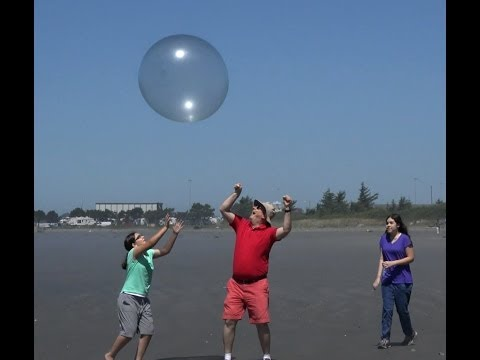 Wubble Bubble Ball at the Beach- Where it Pops | EpicReviewGuys...