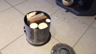 Holzkohle im Kaminofen selber machen