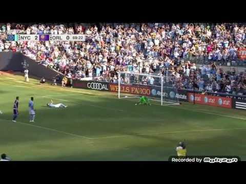 David Villa Slips, Skies Penalty Kick