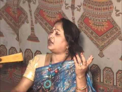 Bhawaiya - Oki bondhu kajol bhromora rey; sung by Chandana Dhar...