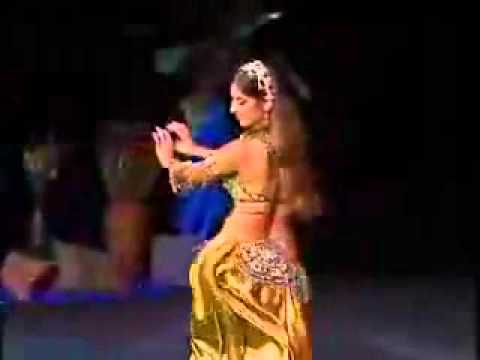 Sexy Arab Girl - Belly Dance.flv video