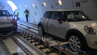 Cargo Air Freight of the new MINI - Loading and Departure | AutoMotoTV