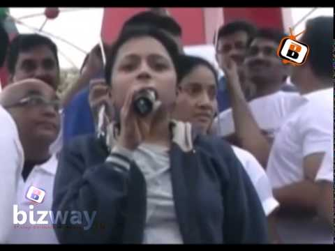 Anchor Suma Speech in Heart Walk 2011 on the event of World Heart Day (Bizway) Photo Image Pic