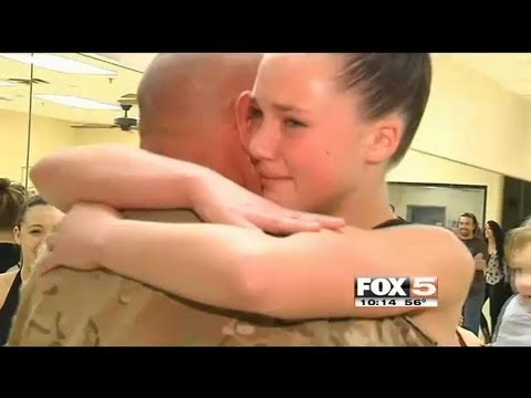 Army Sergeant Surprises Daughter In Dance Class For Thanksgiving video