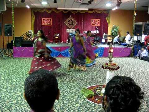 Garba Dance Performance - gunji aangna mein shehnai