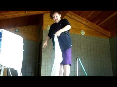 SEXY TOWEL DANCE!!!??
