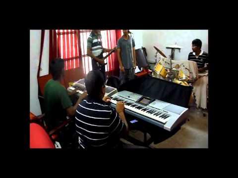 Crescendo-idhazhin Oram,oruvan Oruvan Mudhalali video