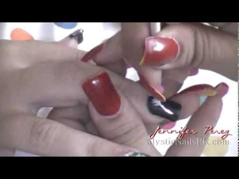 Plumita Pintada Diseño A Mano Alzada :::... Jennifer Perez of Mystic Nails ☆