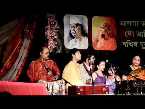 shukno patar nupur paye--Nazrulgeeti group song; by Nandini...