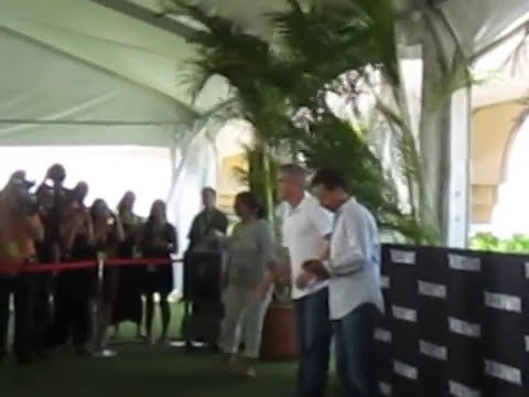 George Clooney in Cancun by www.firmanyc.com