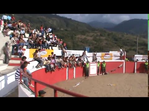 CHICAS TANGA Y CAMISETAS MOJADAS 1 PARTE