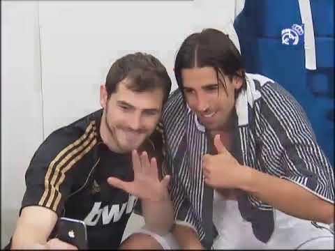 El Real Madrid celebra el título de Liga en el vestuario