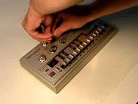 Roland TB-303 Bassline Demonstration