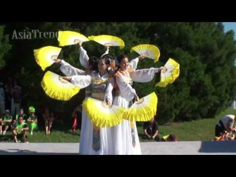 Asian Cultural EXPO 2013 - Feather Fan Dance