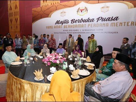 PM berbuka puasa bersama Kabinet, MB dan duta asing