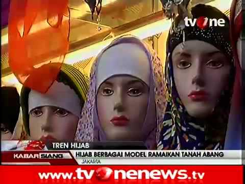 Model Hijab di Pasar Tanah Abang, Jakarta