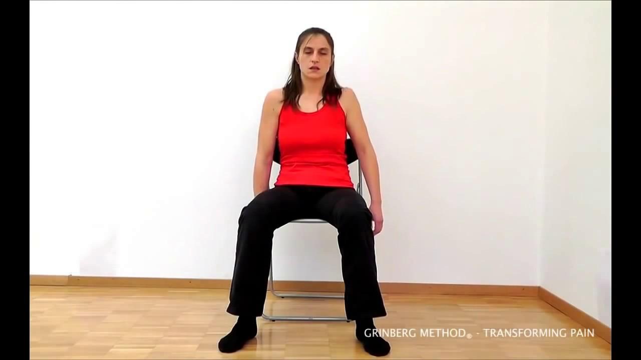 Il dolore nel fondo di uno stomaco dà la gravidanza a una gamba e una vita