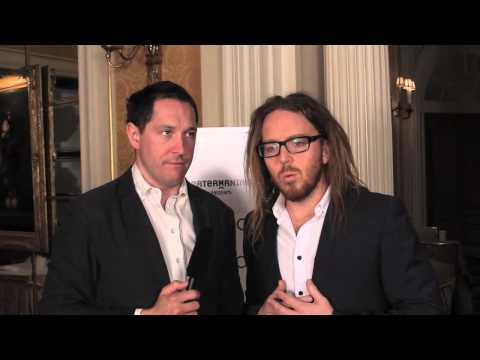 Matilda's Bertie Carvel 'interviews' Tim Minchin at Drama Desk Awards