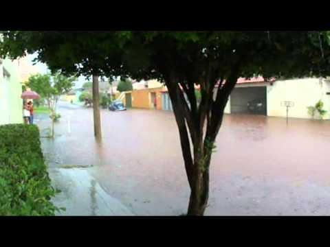 Internauta do Uipi enviou imagens da chuva deste sábado 29/10