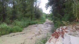 Montelupo Fiorentino, così un torrente in secca diventa una trappola di acqua e fango