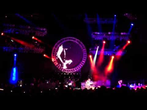 Guitar Playing by Joe Perry, Aerosmith in Philadelphia, Pa