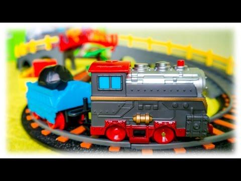 VIDEO FOR CHILDREN - Toy Railway Bridge & Train | Игрушка Паровозик и Железная Дорога с Мостом