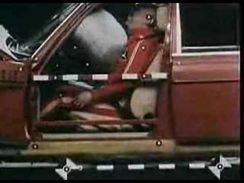 Crash test mercedes w123