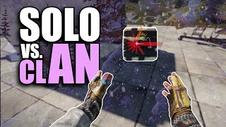 ONLINE RAIDING a ROOF CAMPING CLAN | Rust Solo Survival (3 of 5)