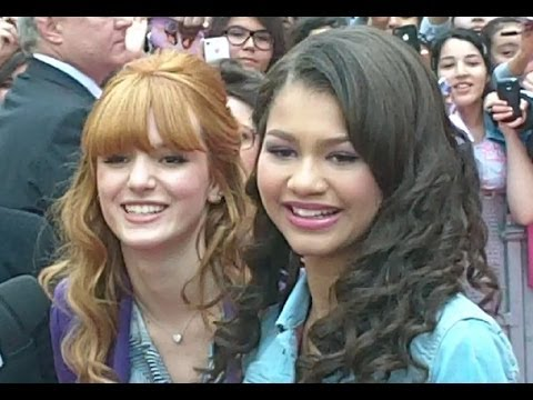 Zendaya Coleman et Bella Thorne à Paris 23 mai 2012 Shake It Up