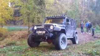 Hummer H2 and Jeep JK Rubicon offroading